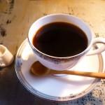 コーヒーと緑茶の健康効果。飲み方と種類解説。死亡リスクを下げて長生きできる?