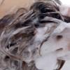 塩洗髪で女性の加齢臭対策。3日に1度、塩で頭をシャンプーするニオイ撃退法