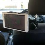 激安・簡単・揺れない車載タブレットスタンド・子供と車でお出かけに最適な後部座席用